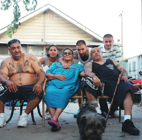 Louichi (primeiro à esquerda) e família em Venice