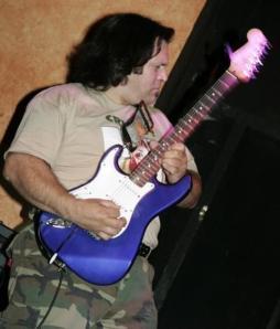 Foto recente: Nelson sempre no rock